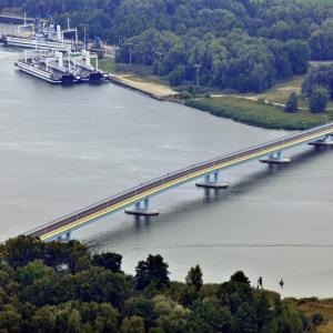 Karsibór most